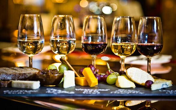 Những món ăn ngon khi kết hợp với rượu vang shiraz