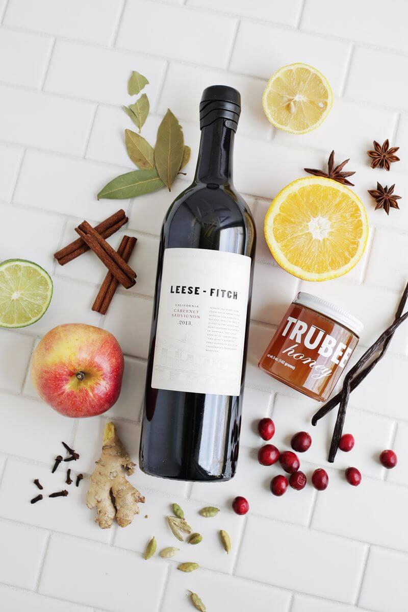 Pha rượu vang đỏ với trái cây cần chuẩn bị những gì?