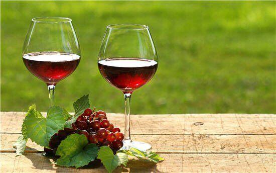Rượu vang nguyên chai để được bao lâu