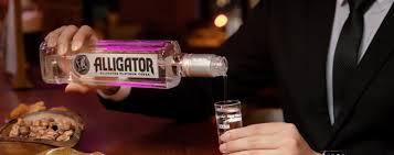 Giới thiệu tổng quan về sản phẩm Vodka cá sấu
