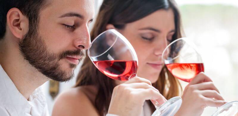 Những bước thưởng thức rượu vang đúng chuẩn mà bạn cần biết