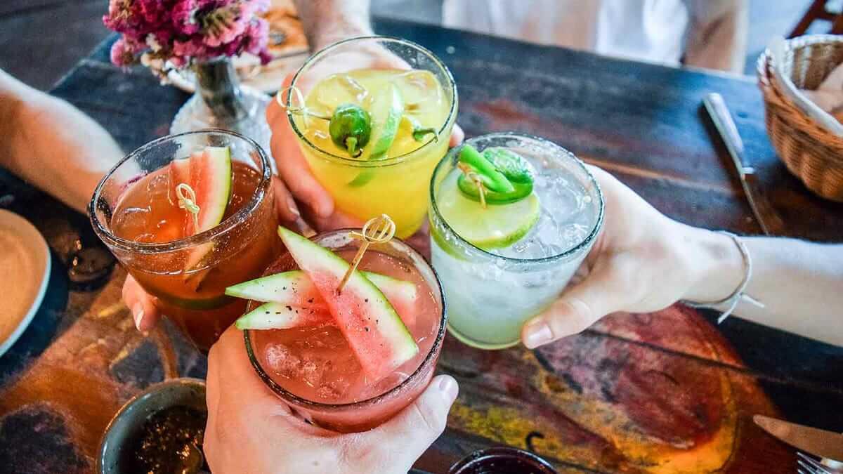 Gợi ý top 5 cocktail pha chế rượu rum được yêu thích hiện nay