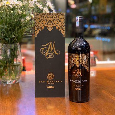 hương vị quyến rũ của rượu vang merlot salento