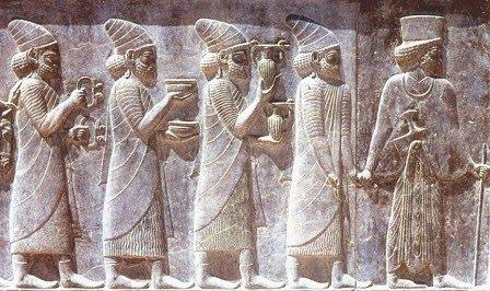 Nền văn mình Phoenicia có rượu vang ra đời năm nào