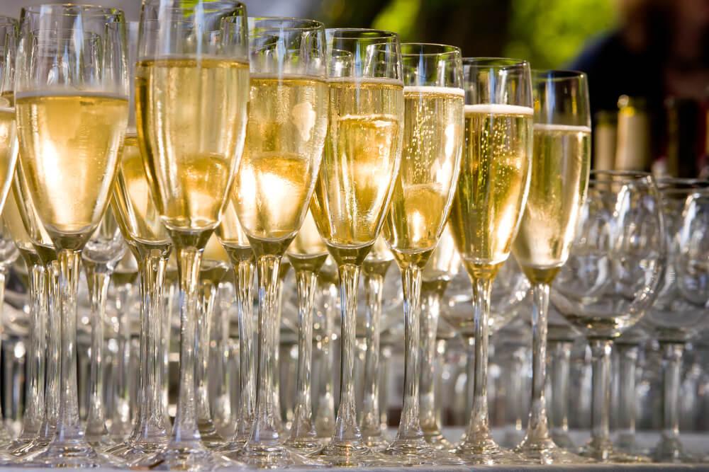 Giới thiệu tổng quan về rượu Champagne