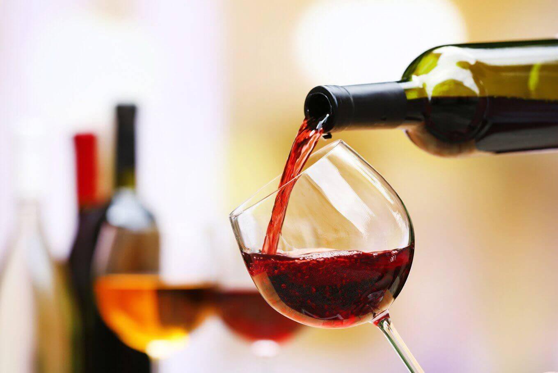 Rót rượu vang đỏ