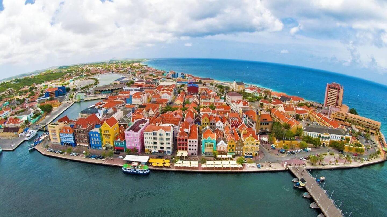 Nguồn gốc của rượu Blue Curacao