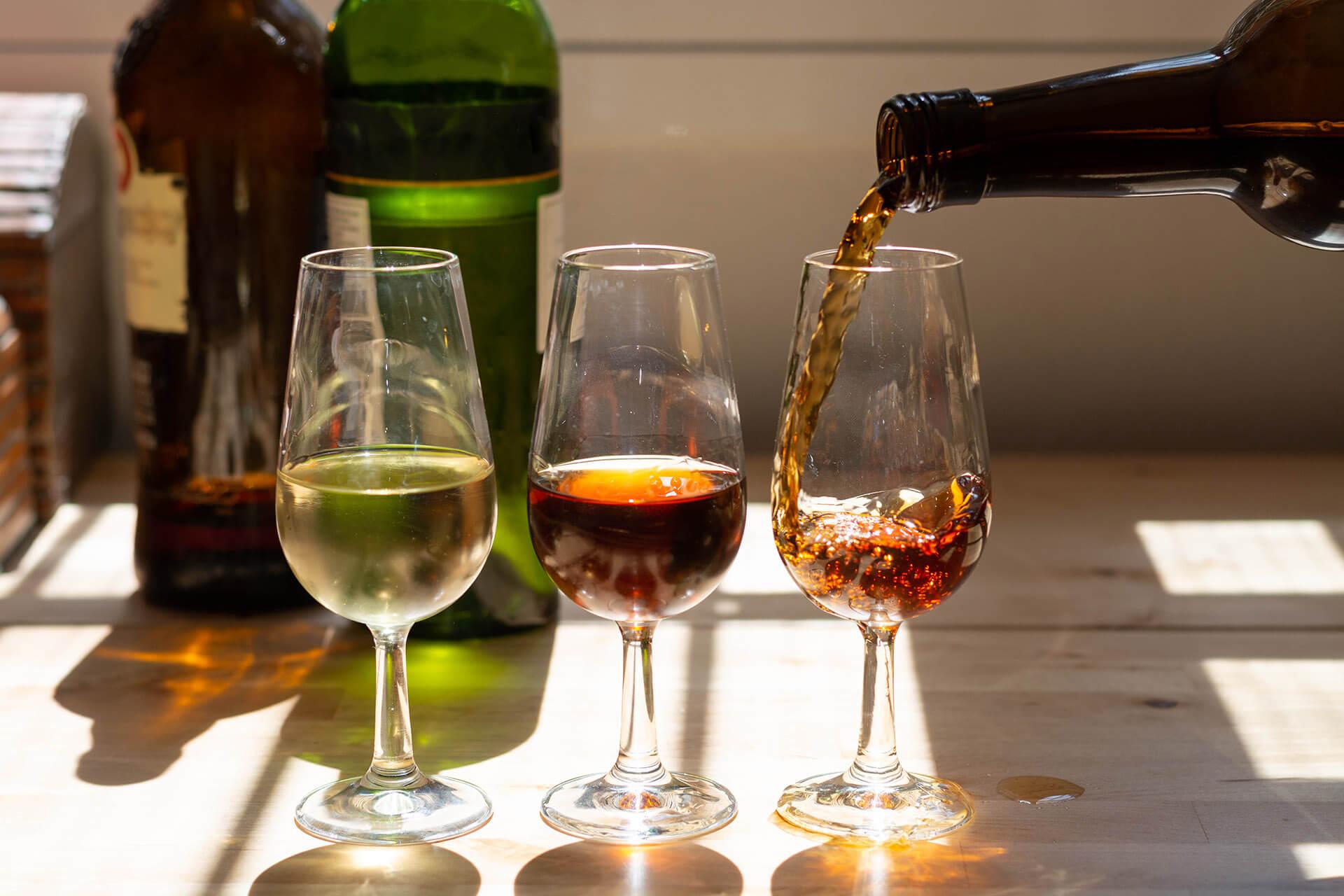 Vang cường hóa (Fortified Wine)