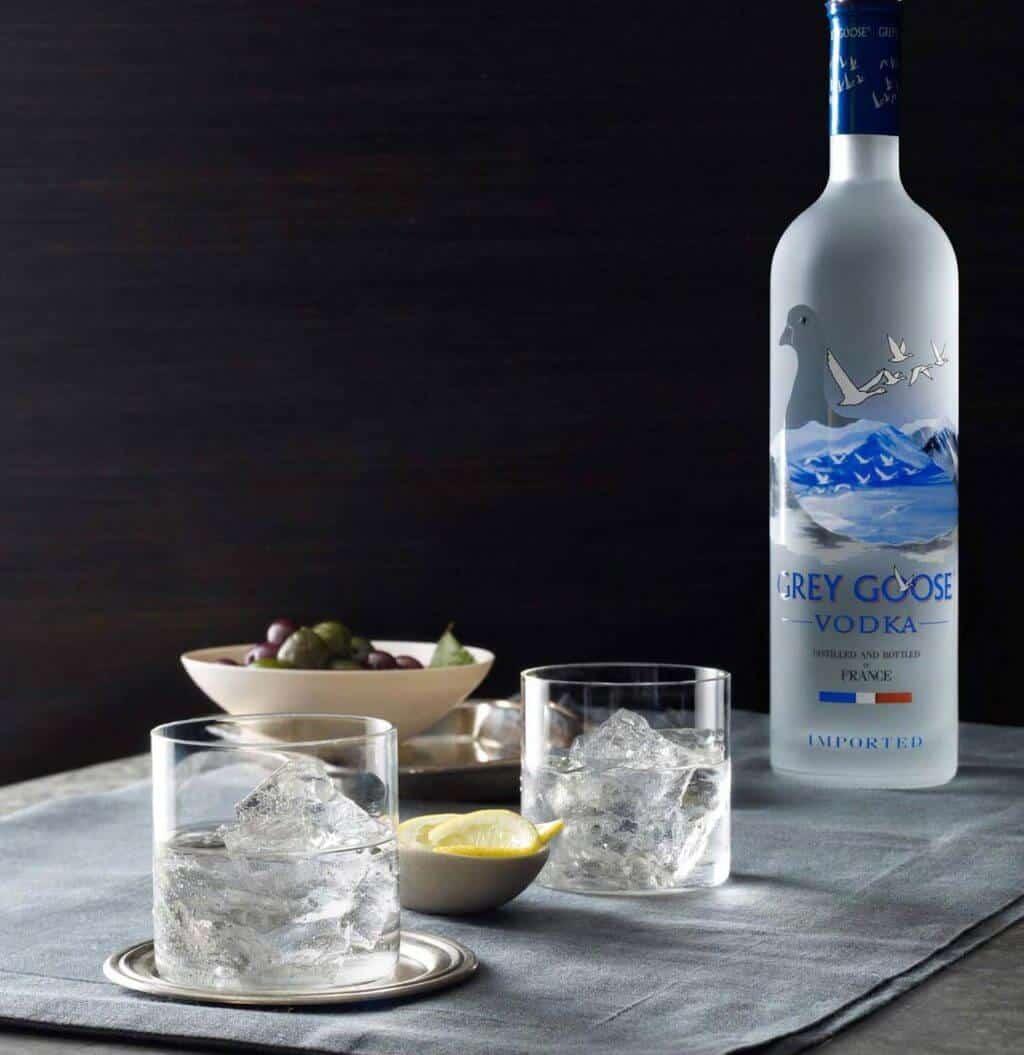 Mẹo phục vụ rượu Grey Goose Vodka